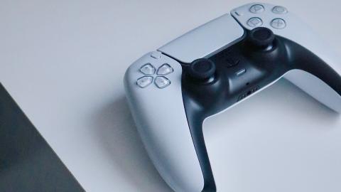 PlayStation 5 - DualSense