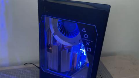 PS5 con ventana transparente
