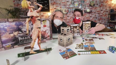 Unboxing de Ataque a los Titanes: La última batalla, el genial juego de mesa de Shingeki no Kyojin