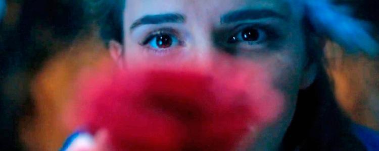 La Bella y la Bestia primer cartel de la película con Emma Watson