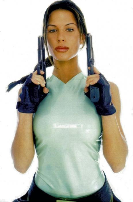 Rona Mitra Lara Croft