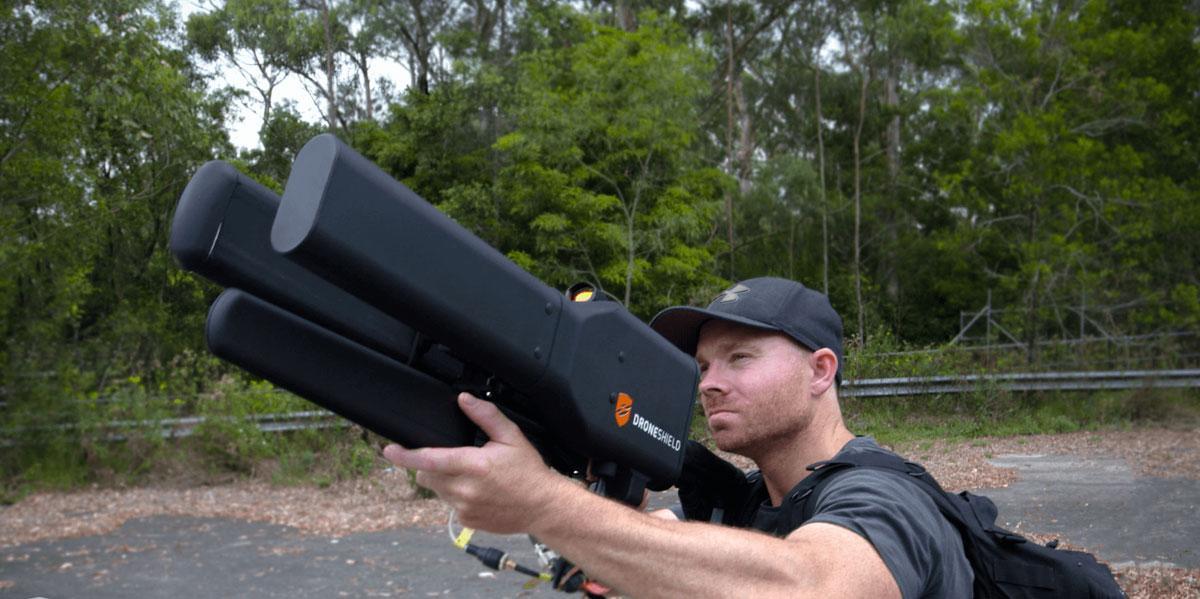 Arma anti drones estilo Rambo