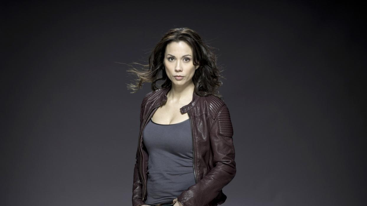 Lexa Doig es Talia Al Ghul en Arrow