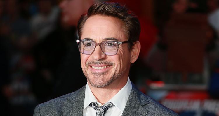 actor, gafas