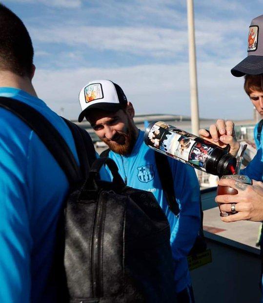Messi es fan de Dragon Ball - Las gorras de la serie