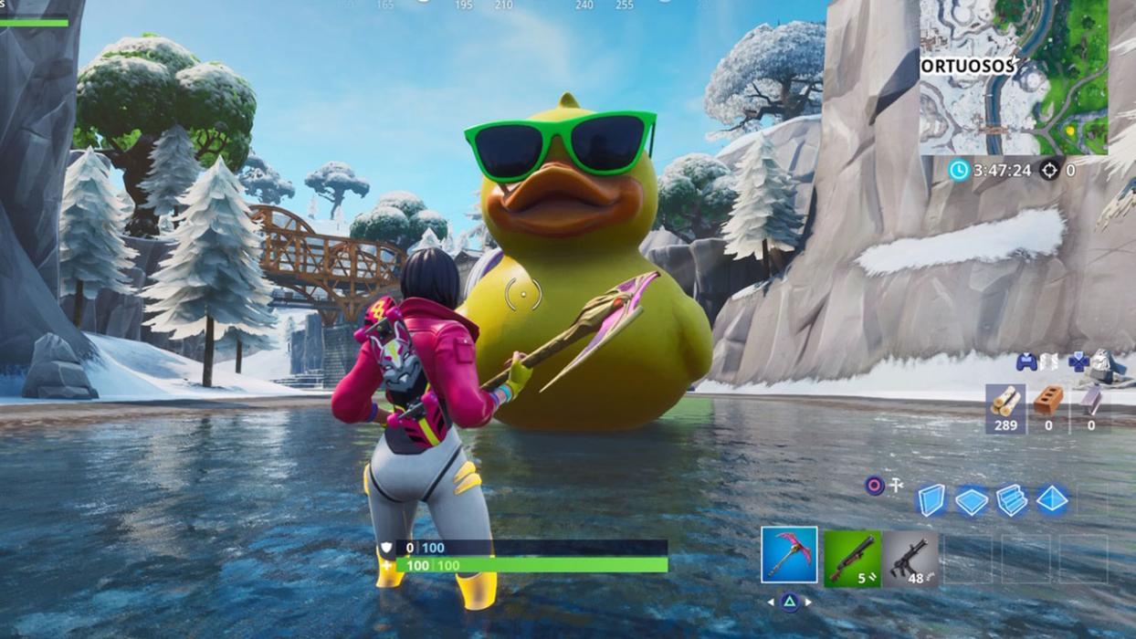 Visita una una sombrilla gigante y un pato de goma enorme Fortnite